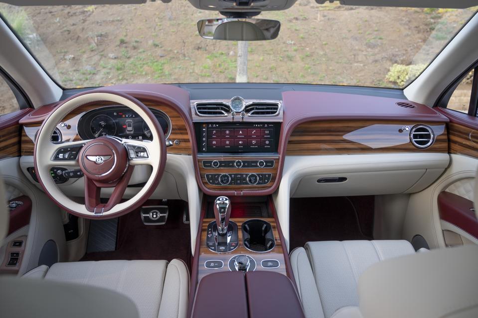 The dashboard of the 2021 Bentley Bentayga