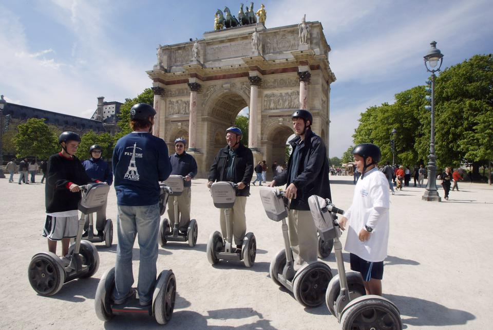 U.S. tourists visit Paris in 2004-it has been a long time since Americans were allowed non-essential travel to the EU