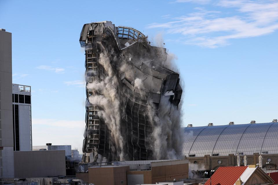 Former Trump Plaza Hotel and Casino demolished in Atlantic City