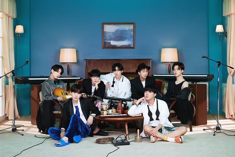 Foto resmi grup album BTS 'Be' RM Jin Suga J-Hope Jimin V Jungkook ot7