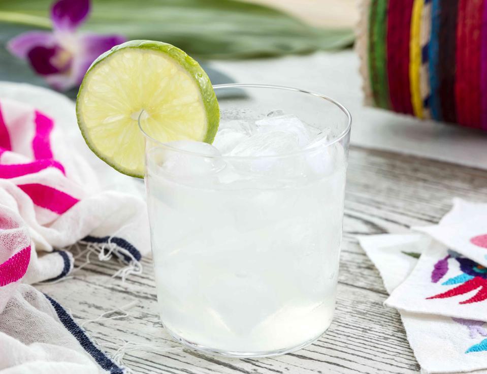 21 Seeds Skinnyseed Margarita yields under 150 calories.