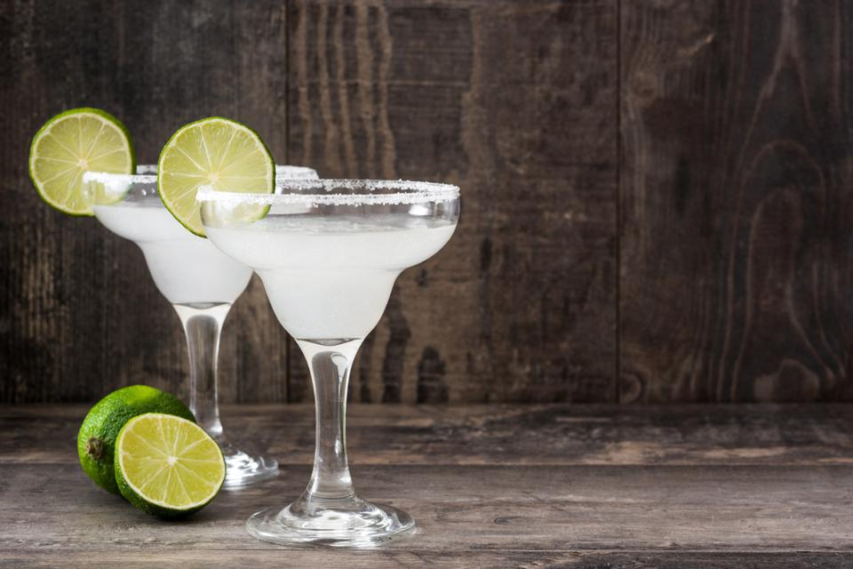 Margarita cocktail with limes