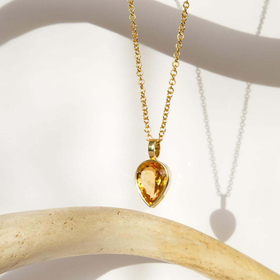 Artemis Citrine Necklace by ALL THAT GLITTERS at DISENYO DEL SUR