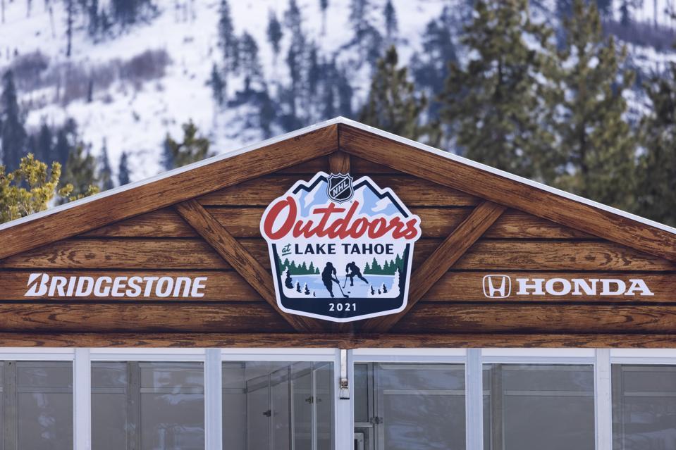 NHL: FEB 20 Bridgestone NHL Outdoors Saturday - Golden Knights v Avalanche
