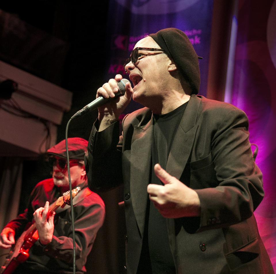 Curtis Salgado performing with Alan Hager