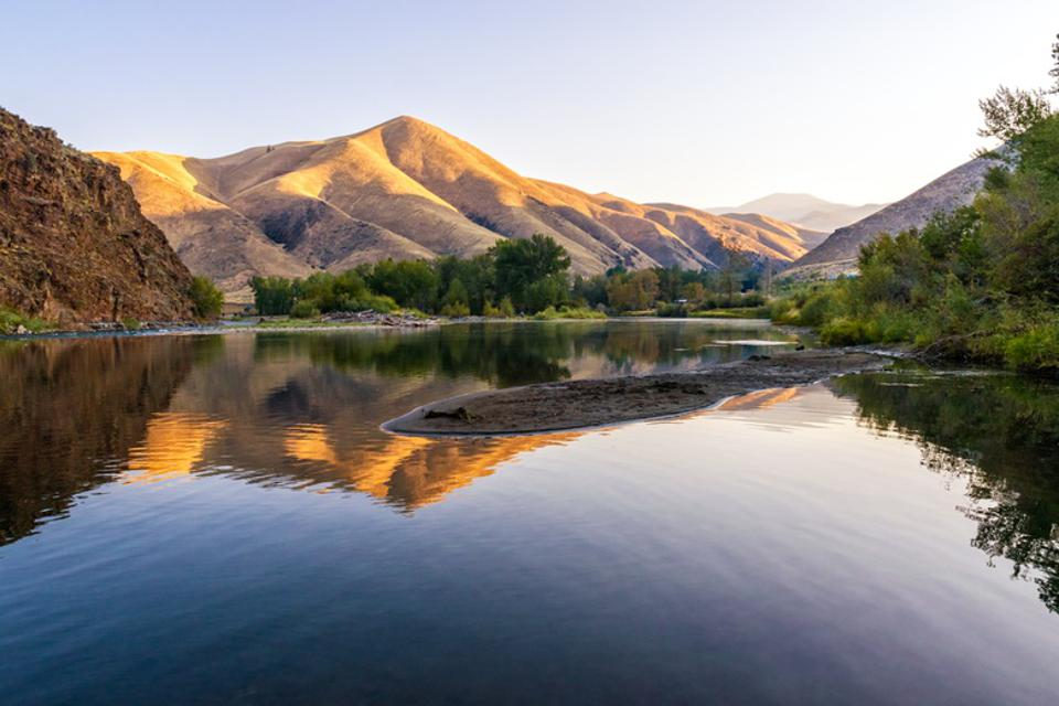 Morning reflections on the Salmon River