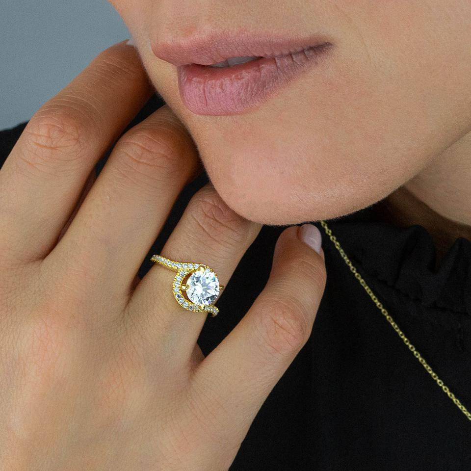 With Clarity's Engagement Rings are the perfect choice for 2021 proposals