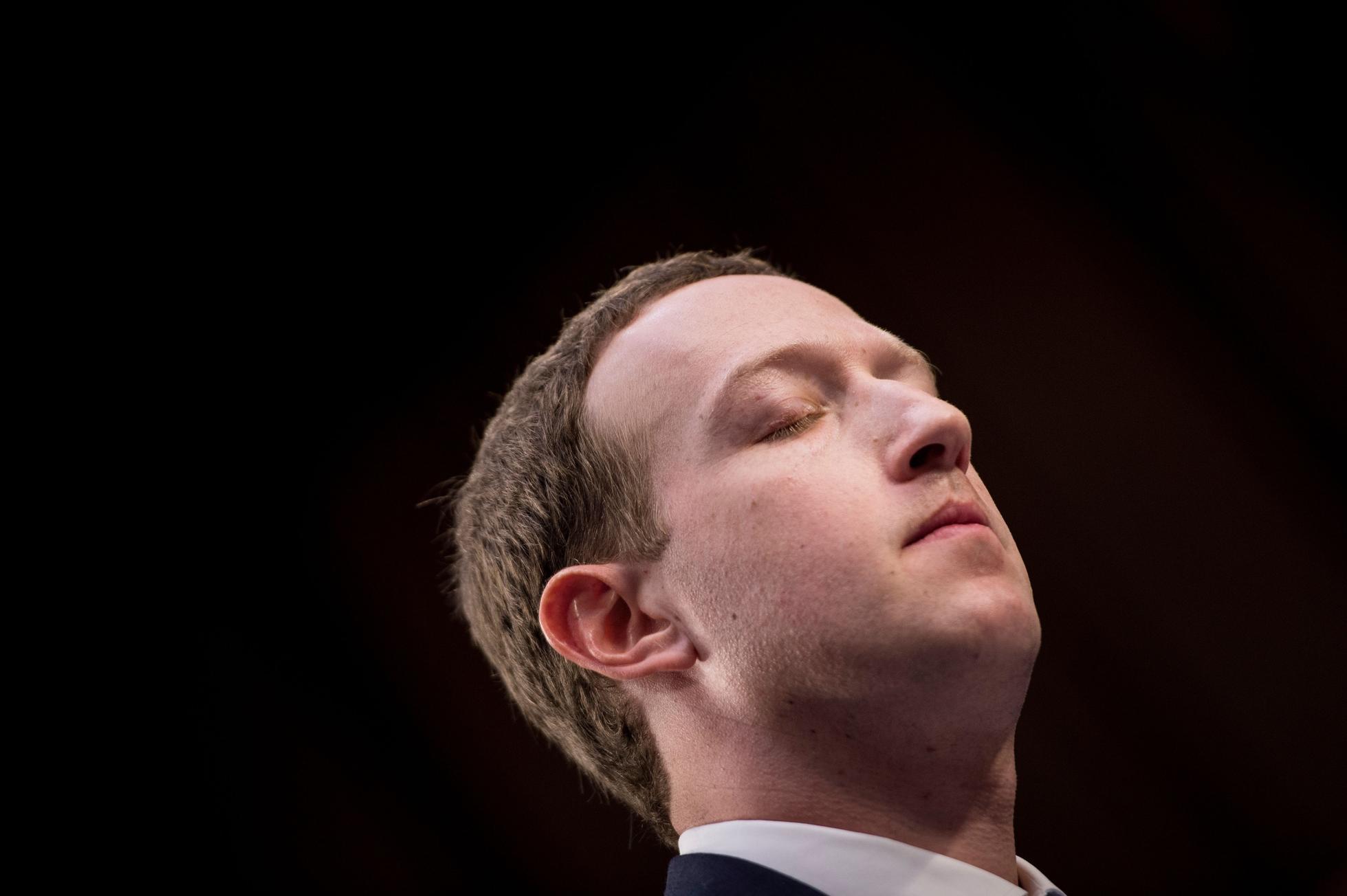 TOPSHOT-US-internet-Facebook