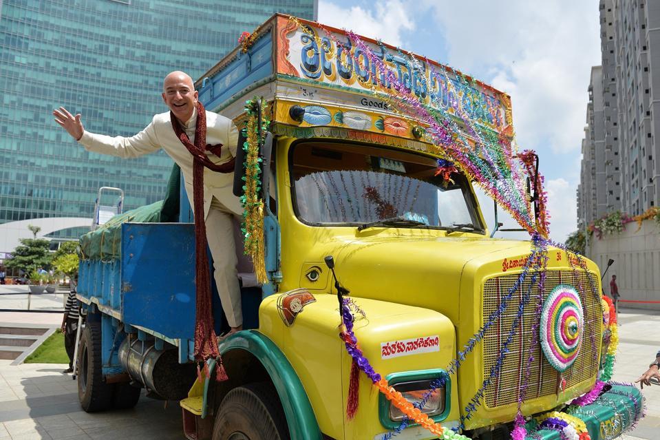 INDIA-ECONOMY-AMAZON-BEZOS