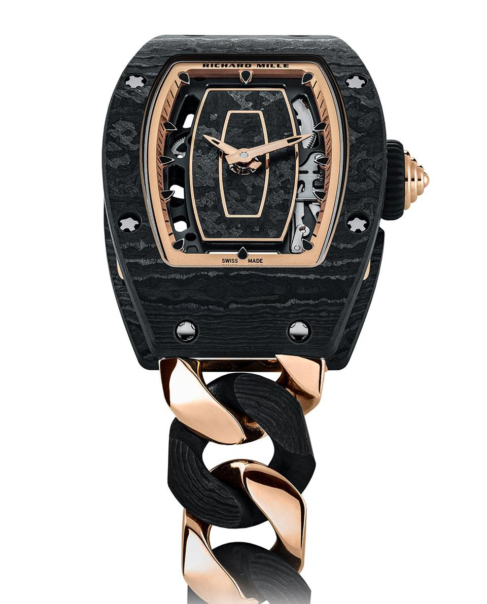 The strap of the Richard Mille RM 07-01 Automatic is made of gold and TPT carbon.