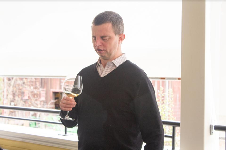 Dr. Hoby Wedler leading a blind tasting