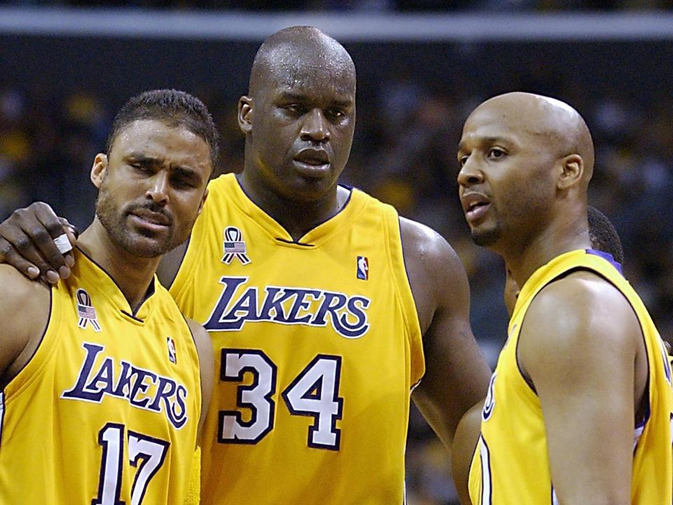 Rick Fox (L), Shaquille O'Neal (C) and Brian Shaw