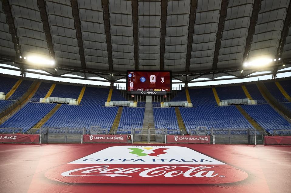 La vista pubblica mostra lo studio olimpico quasi vuoto ...