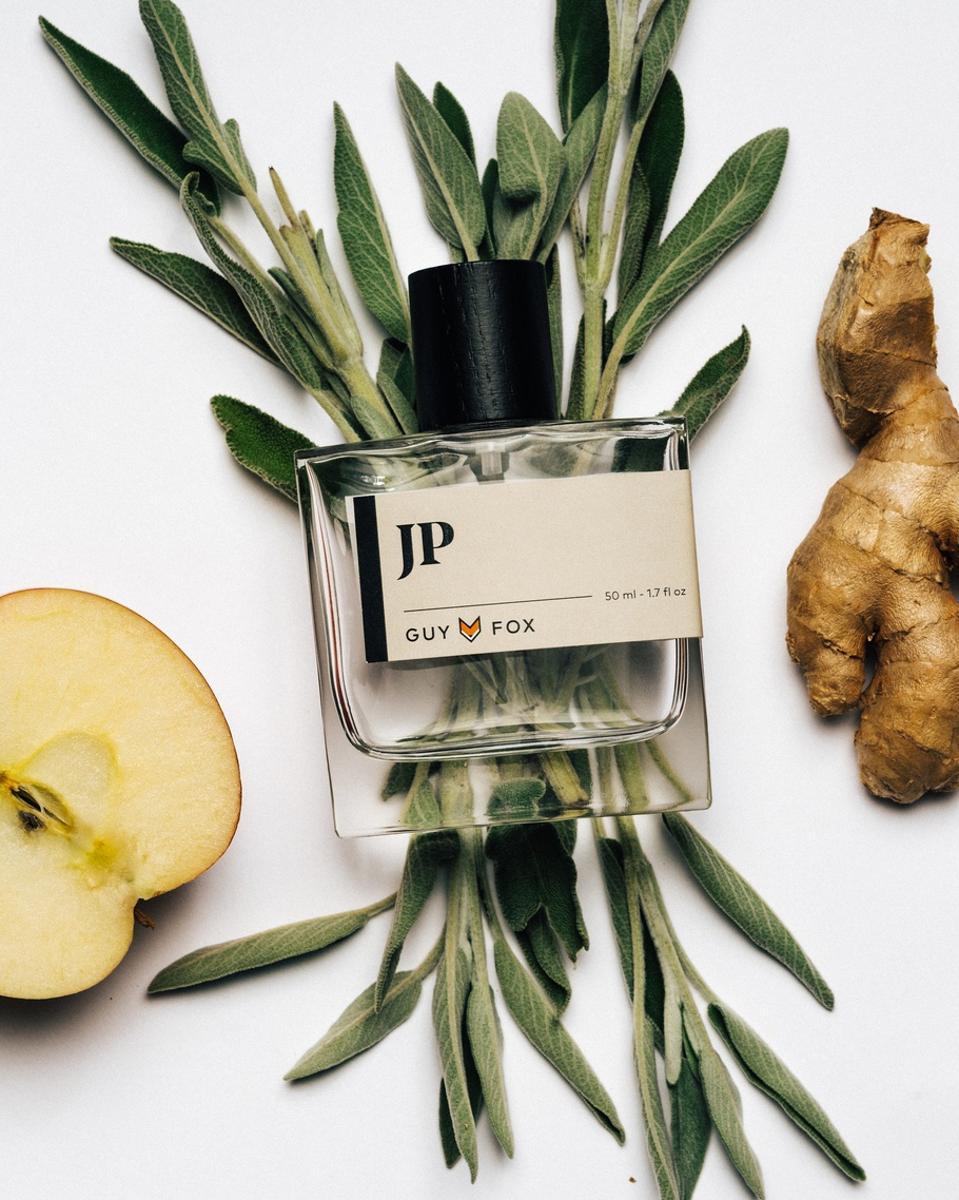 GUY FOX'S zesty and warm fragrance, JP.