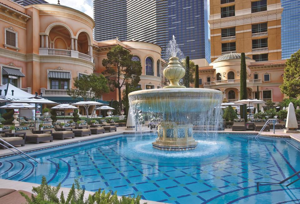 Bellagio Cypress Pool Fountain
