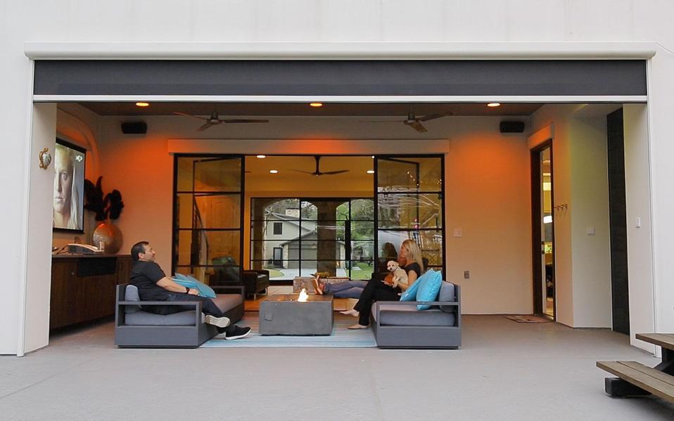 Screen Innovations' Zen Outdoor Shades
