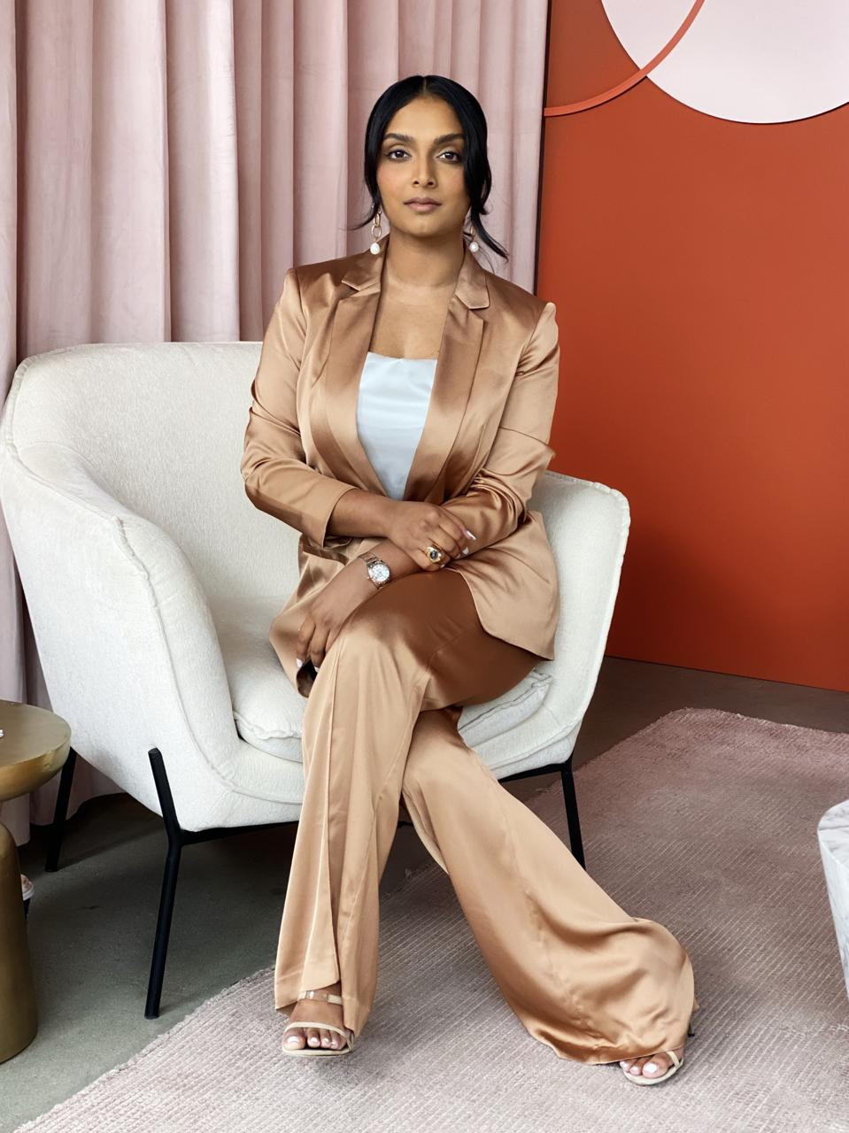 Deepica Mutyala, Live Tinted