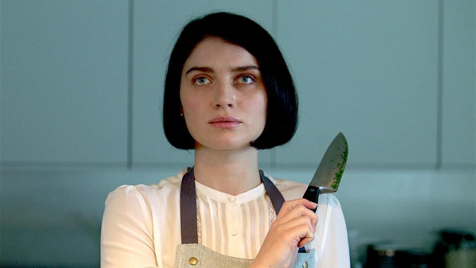 Eve Hewson Behind Her Eyes knife