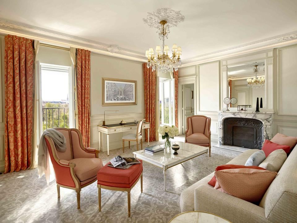 Le Meurice Executive Suite