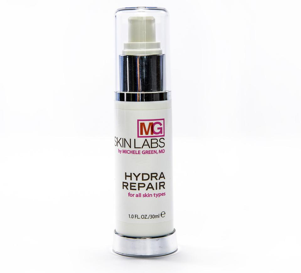 Hydrating magic in reducing the appearance of fine lines and wrinkles.
