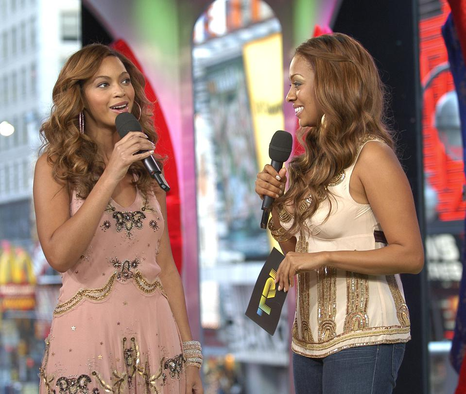 Beyonce Knowles and the Cast of ″One Tree Hill″ Visit MTV's ″TRL″ - February 7, 2006