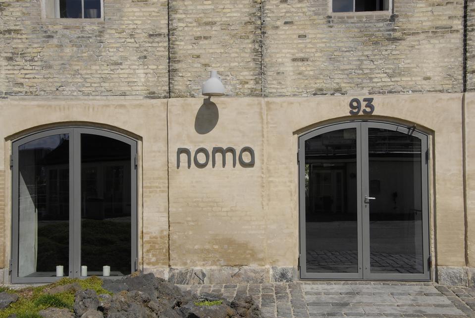 Noma restaurant and honey bees