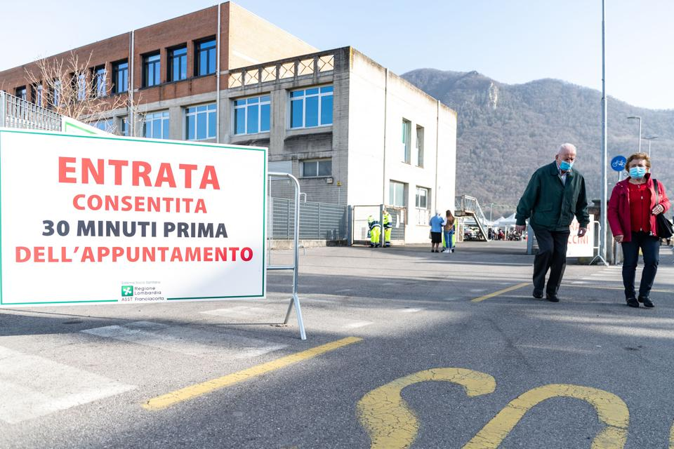 Mass Vaccination Begins In Iseo, Brescia