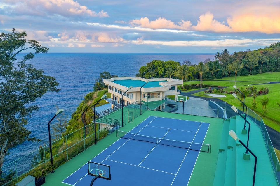 tennis court water falling estate hawaii 32-1056 Old Mamalahoa Hwy