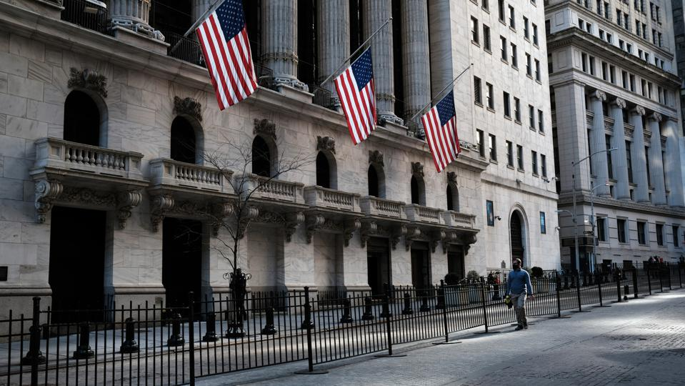 Dow Industrial Drops During Thursday Trading As Bond Yields Surge