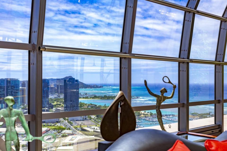 view from a luxury honolulu penthouse at 415 South St #4502