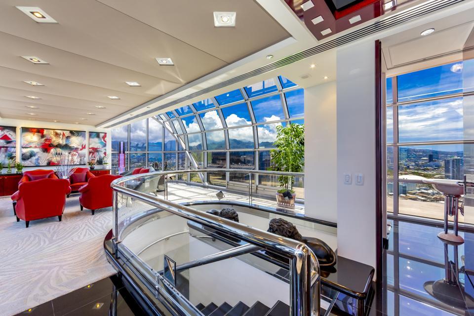 stairwell inside luxury penthouse 415 South St #4502 honolulu hawaii