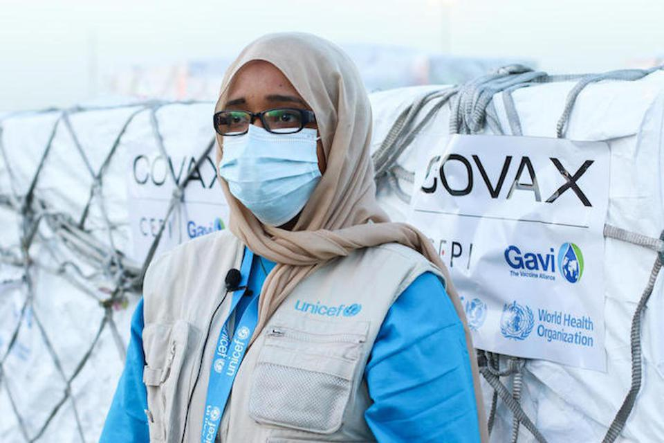 UNICEF Sudan Supply and Logistics Officer Amna Osman met the delivery of  AstraZeneca COVID-19 vaccines in Khartoum on March 3.