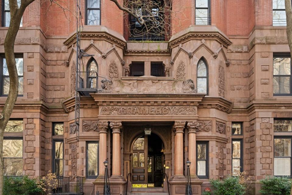 1883 Manhattan apartment building