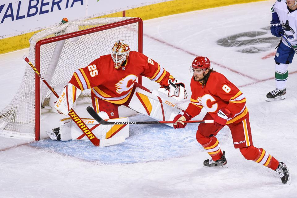 NHL: JAN 16 Canucks at Flames