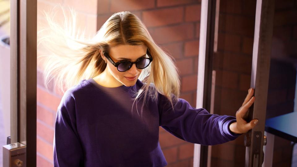 Razer Anzu, round with sunglasses installed