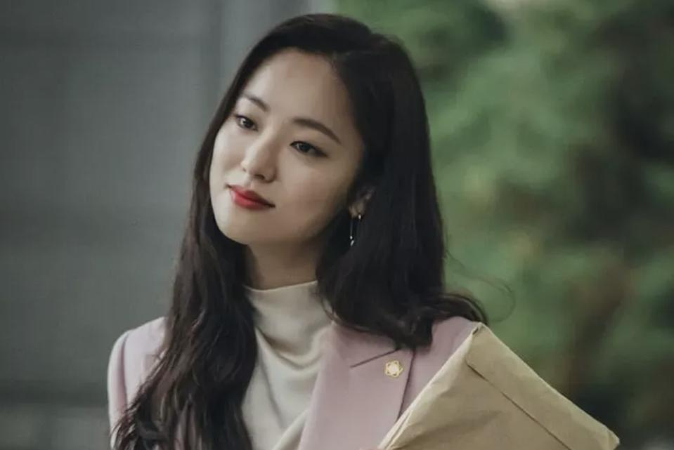 Jeon Yeo-bin stars in 'Vincenzo.'