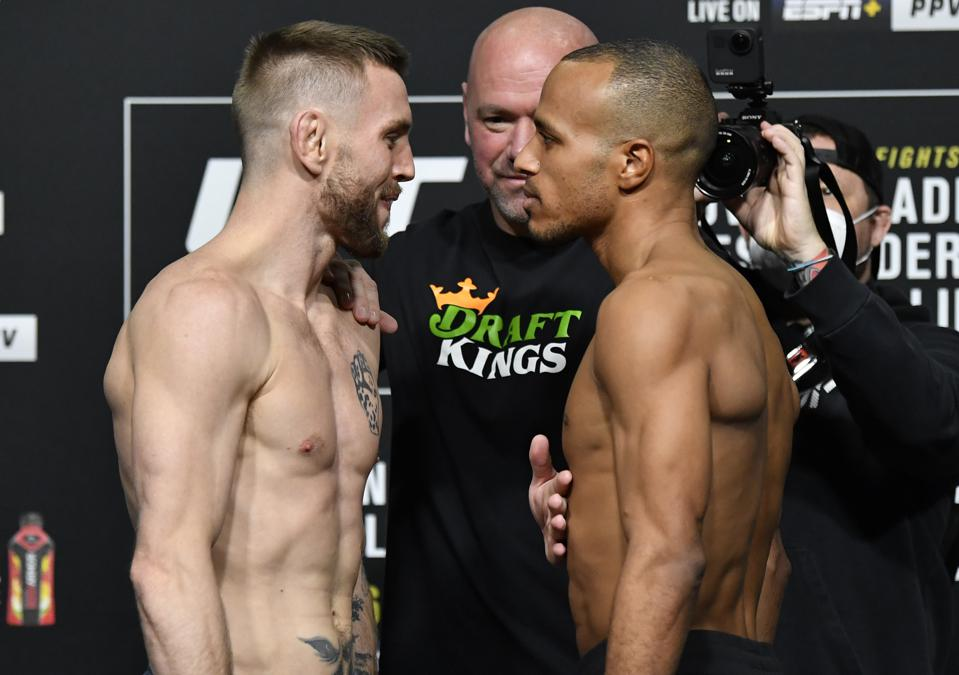 Tim Elliott faces Jordan Espinosa at the top of the UFC 259 early prelims