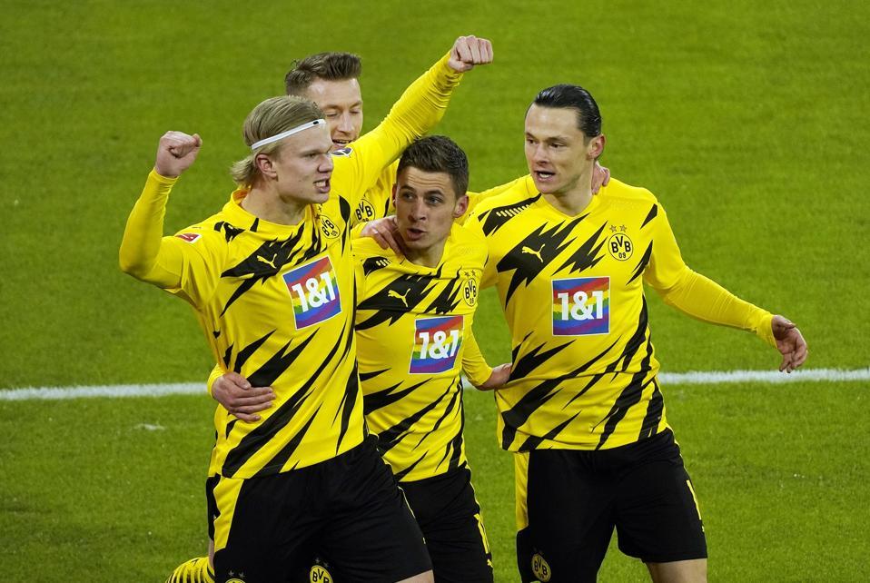 FC Bayern Munich v Borussia Dortmund - Bundesliga