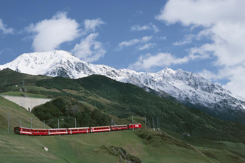 Le train Glacier Express du chemin de fer rhétique