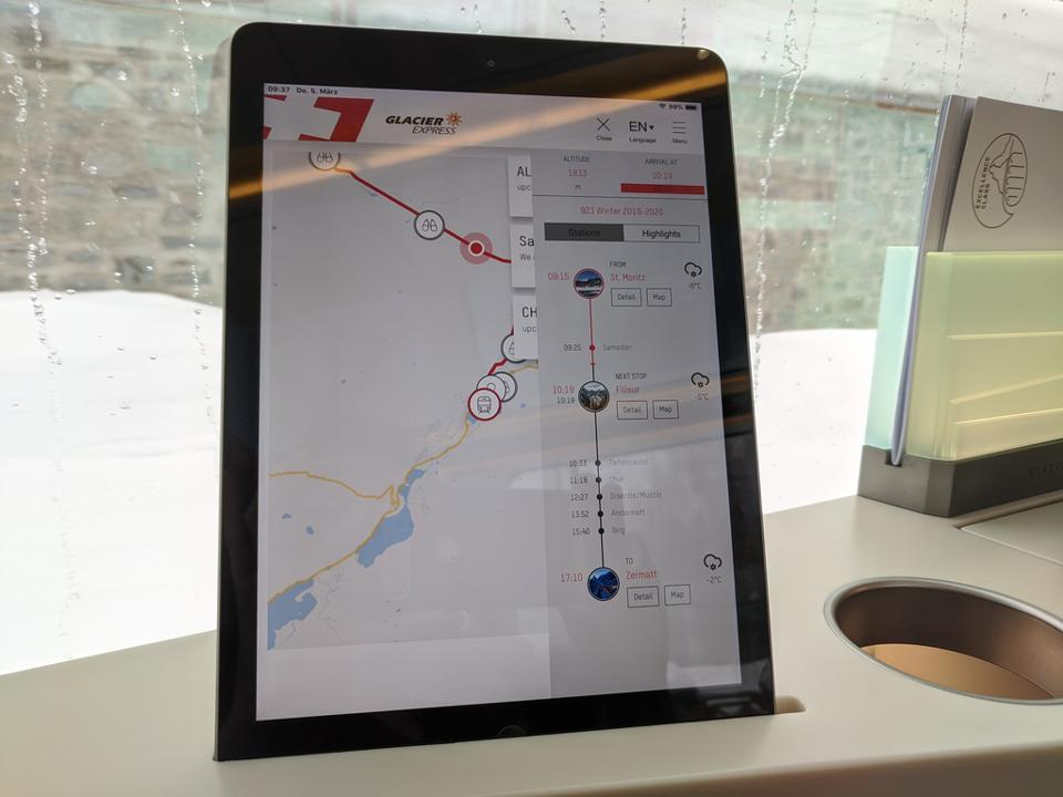 Tablette indiquant votre itinéraire à bord du Glacier Express