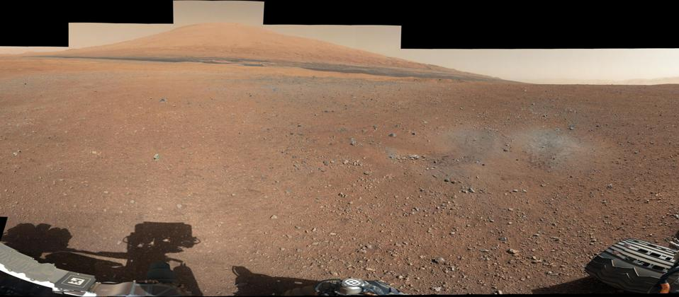 Curiosity's first 360° color panorama, cropped to focus on Mount Sharp.