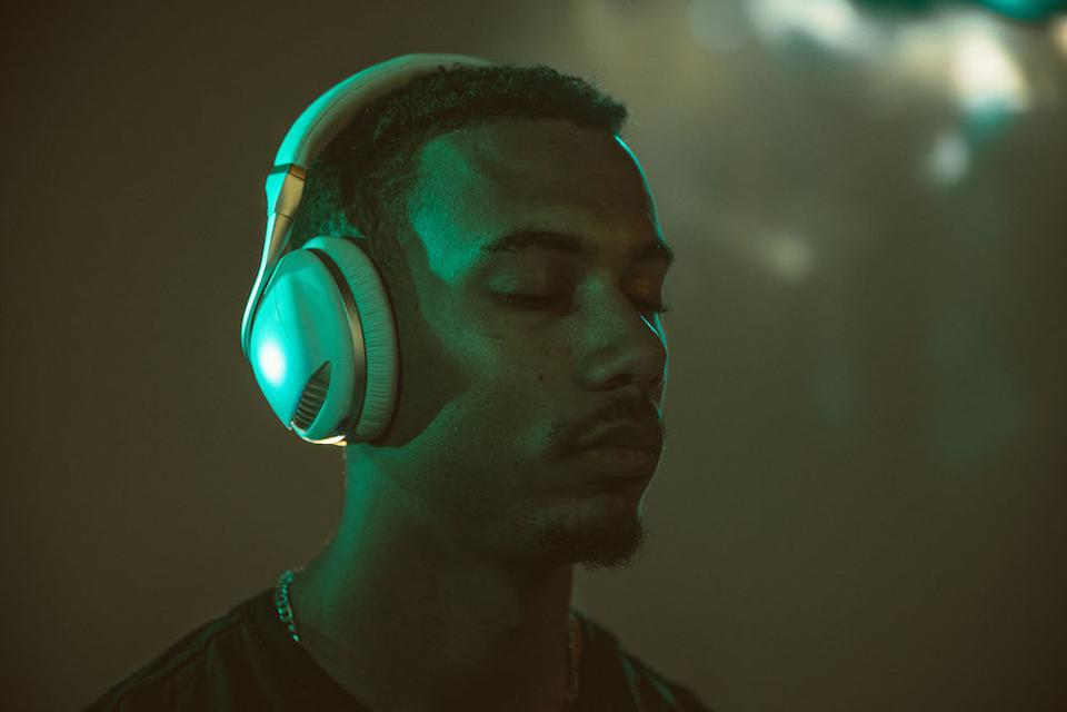 The IRIS Flow headphones