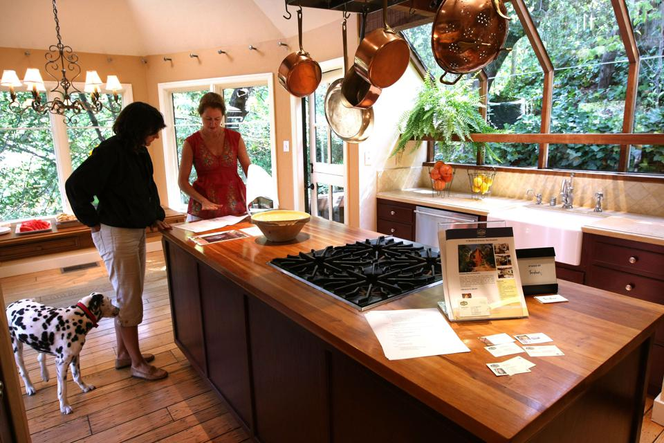 Home Sales Continue Downward Trend