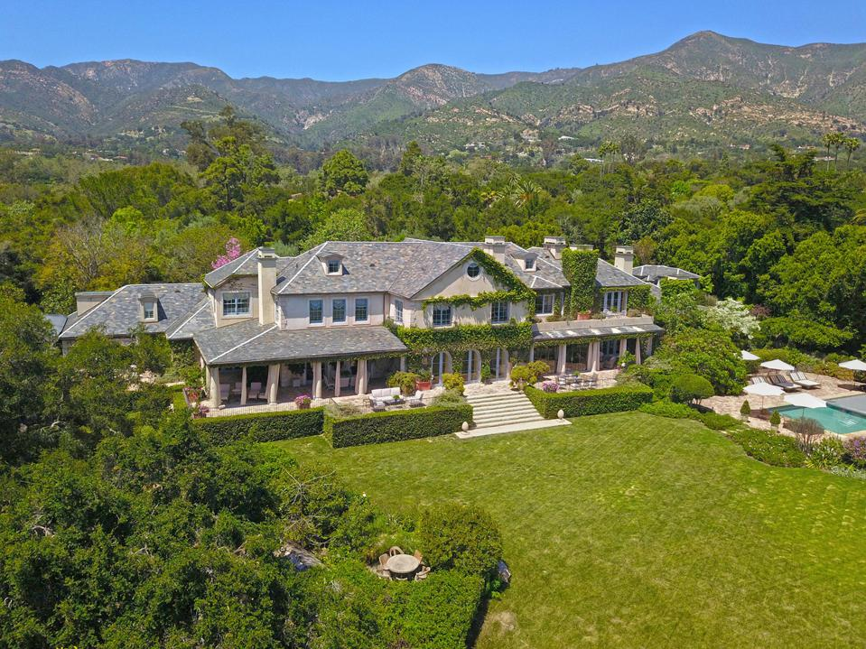 The former Rob Lowe estate named ″Owenshire″ is for sale for $22.5 million