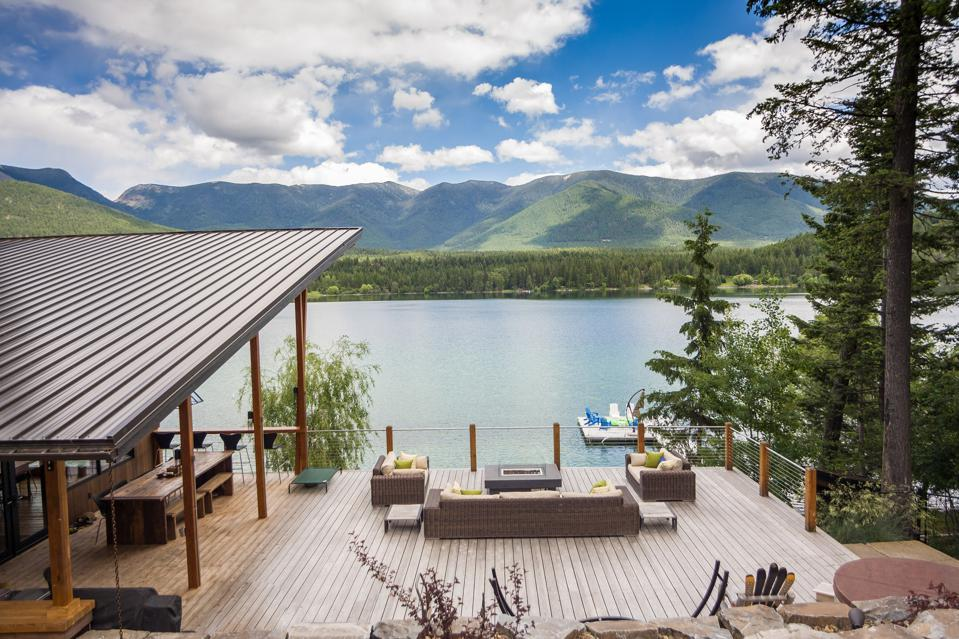 outdoor deck at modern montana house on glen lake at 516 Glen Lake Drive in eureka