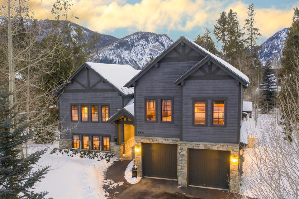 exterior vacation home in frisco, colorado, at 555 Water Dance Drive