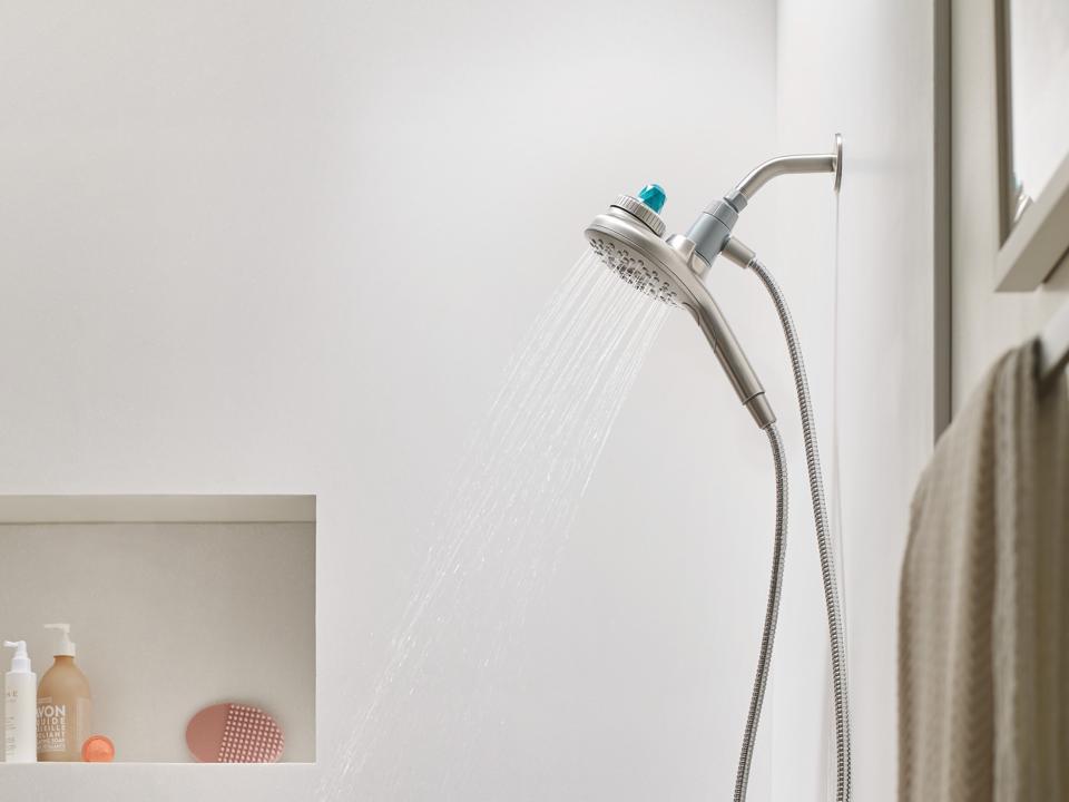 customizable aromatherapy hand-shower.