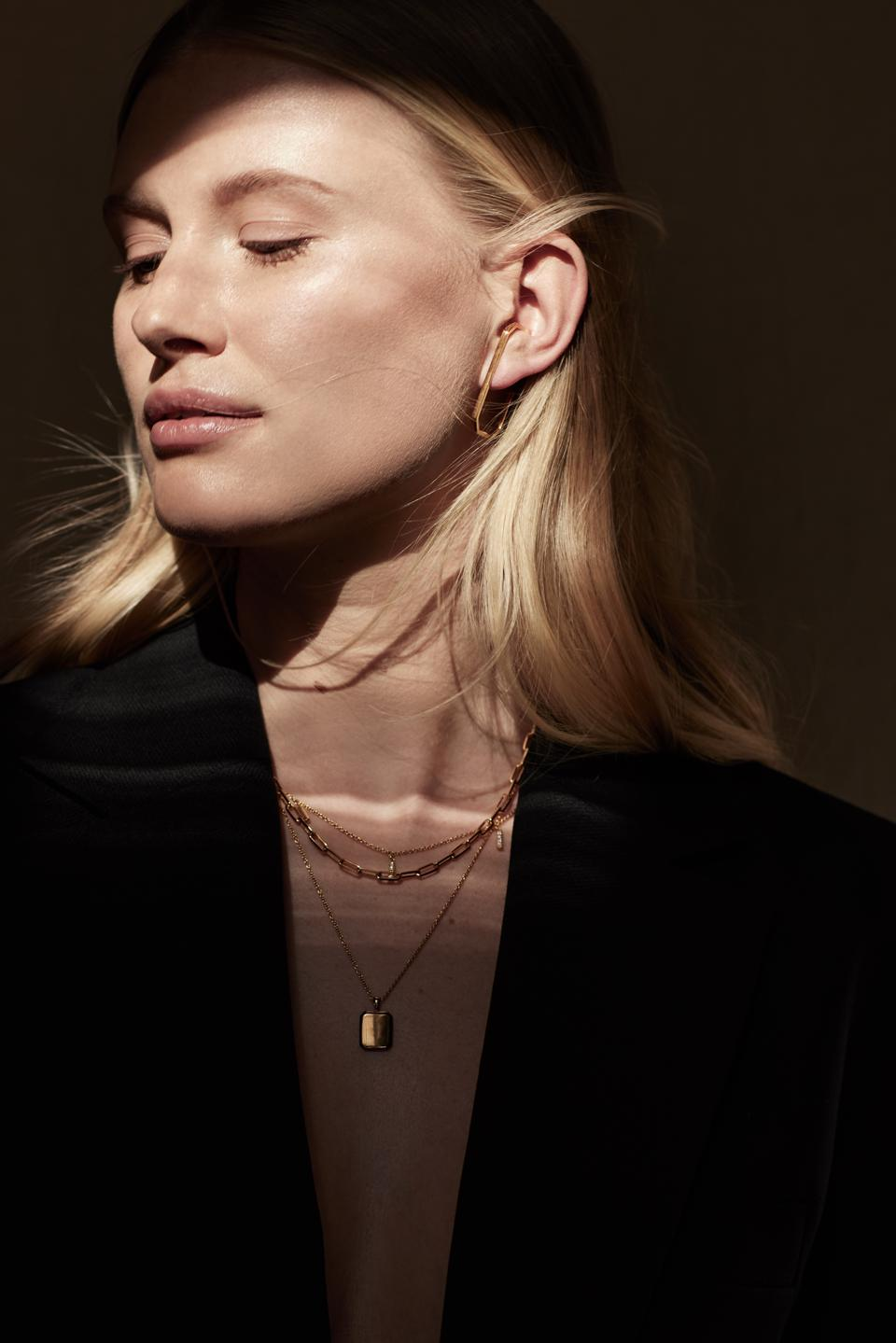Classic gold chains and pendant necklaces by Atelier Romy.