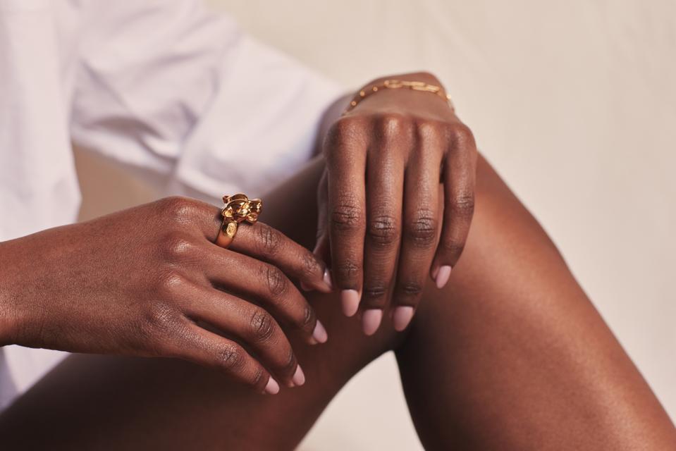 18-karat gold vermeil leopard head ring by Atelier Romy.