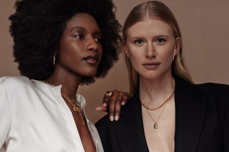 Atelier Romy demi-fine jewelry in 9-karat gold retails direct to consumer online